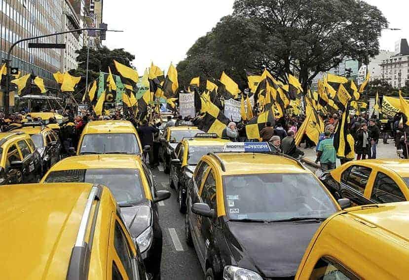Argentina: Taxistas contra Uber y App similares