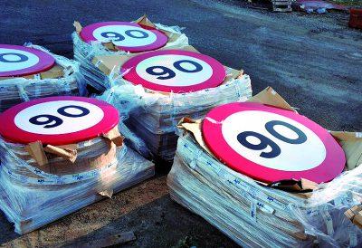 Tabla Velocidades DGT. En carreteras convencionales pasa a ser 90 km/h