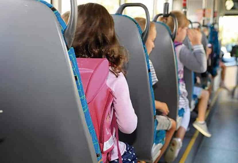 Se planea la integración del transporte escolar en las líneas regulares