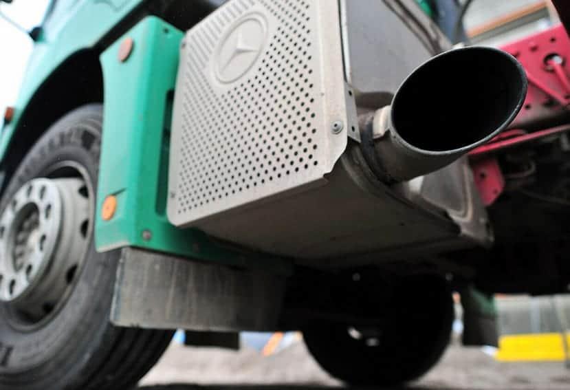 Un 20% de los camiones rebasa el límite de emisiones