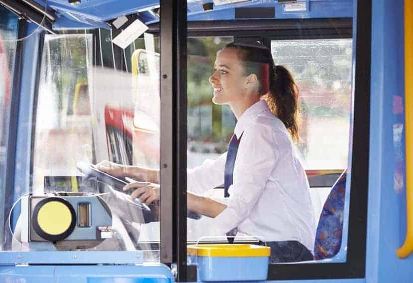 mujeres en el transporte urbano