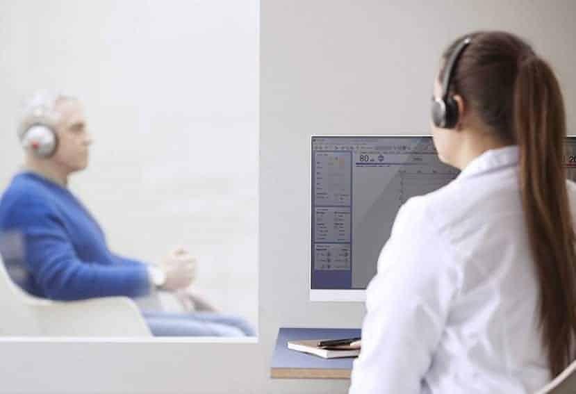 conducir con dificultades auditivas