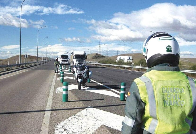 La DGT se suma a la campaña de vigilancia de camiones y autobuses